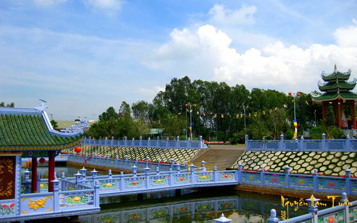 Viếng chùa Huỳnh Đạo An Giang - Ngôi chùa được chăm chút