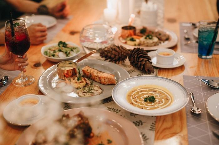 nhà hàng kiểu Âu ở Đà Lạt - lãng mạn tại Amis Restaurant