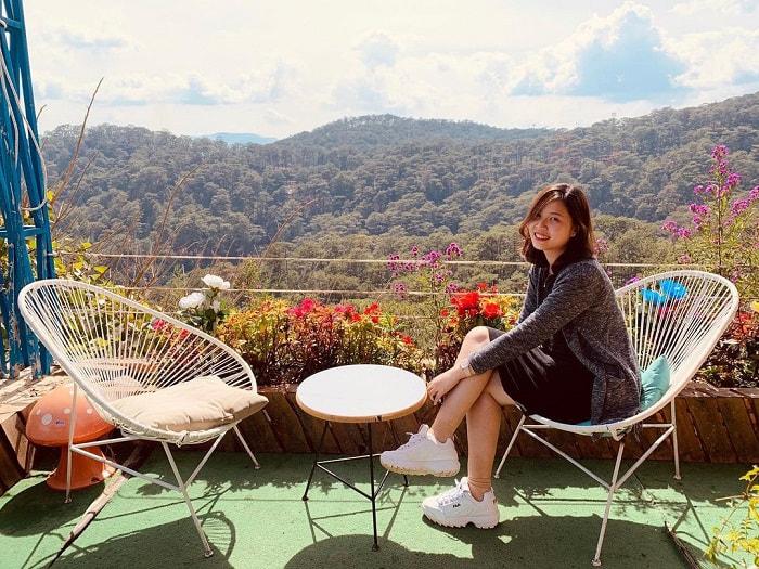 quán cafe cho cặp đôi ở Đà Lạt - ngắm đồi núi cùng Horizon Coffee