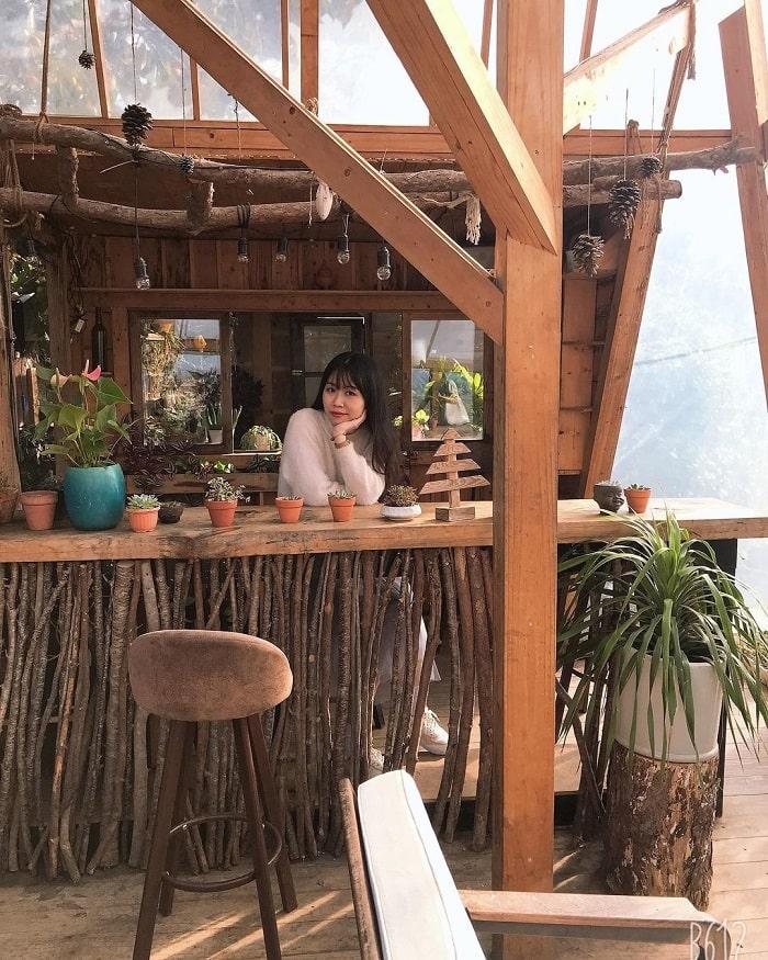 quán cafe cho cặp đôi ở Đà Lạt - Cafe Triệu Đóa Hồng