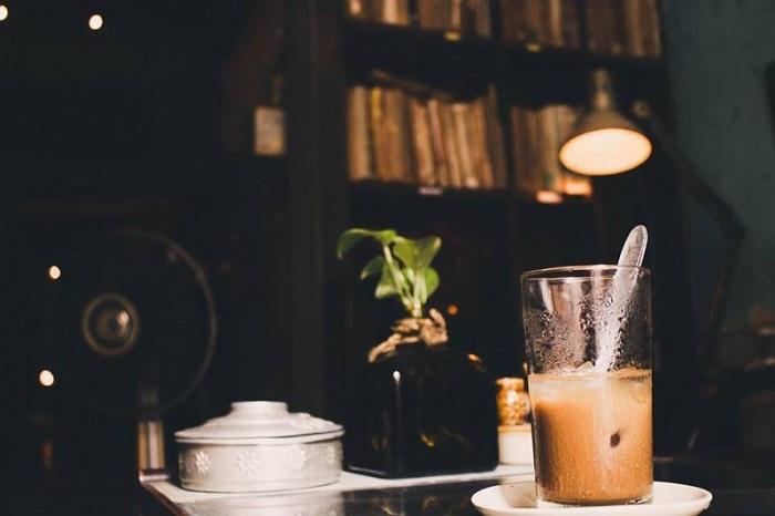 Những quán cafe đêm ở Sài Gòn -  Cửa hàng cà phê 81 đồ uống