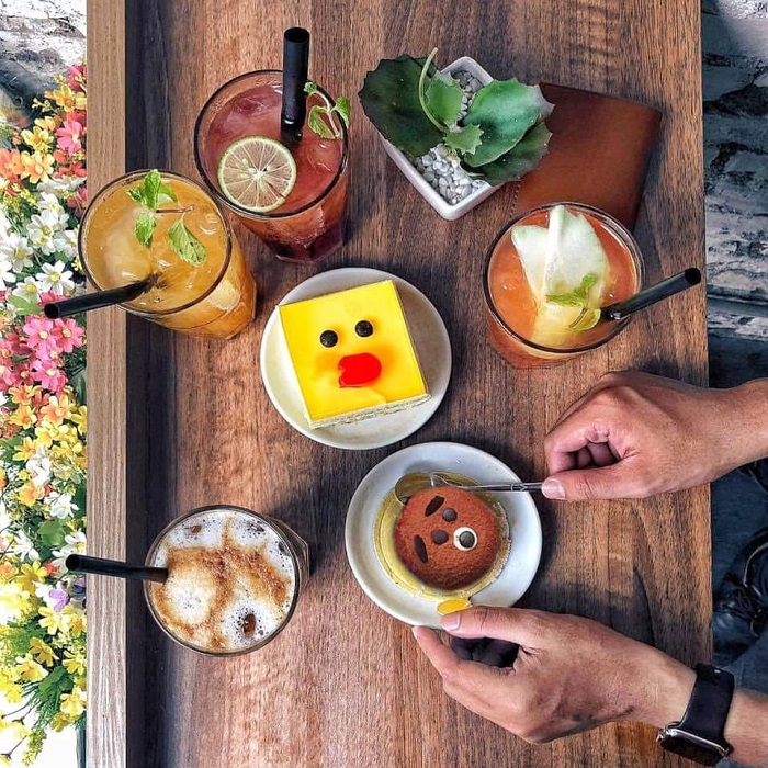 Những quán cafe đêm ở Sài Gòn - quán Mr.8 Coffee đồ uống