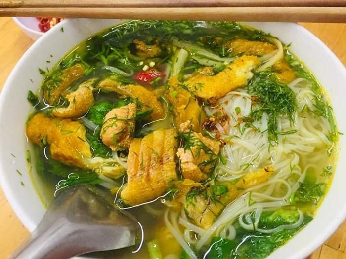 Tô canh cá của quán Bảy , quán canh cá ngon ở Thái Bình