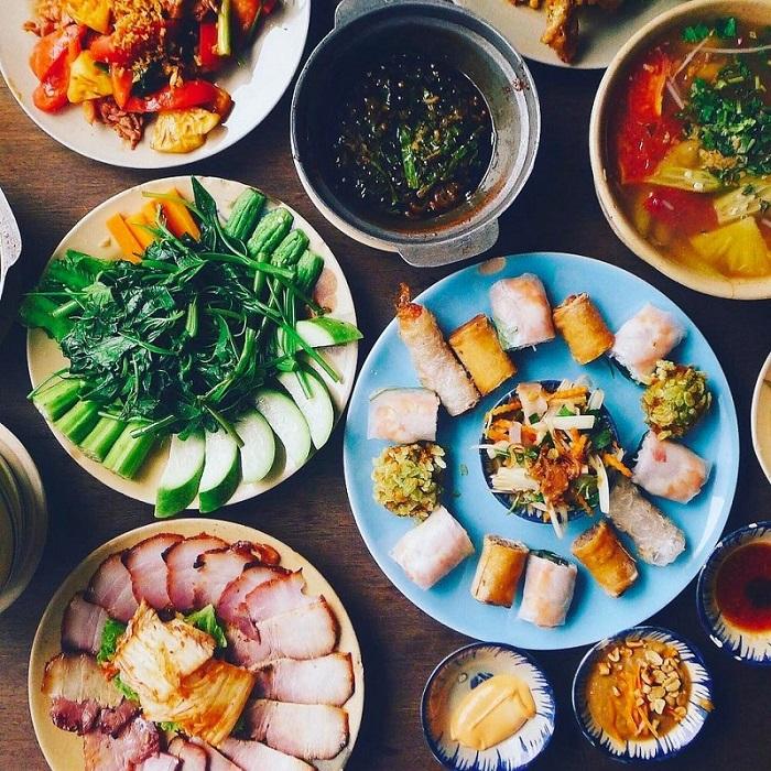 quán ăn món Bắc ở Sài Gòn - quán Bụi thực đơn