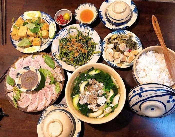 quán ăn món Bắc ở Sài Gòn - quán Cơm Nhà Tao thực đơn