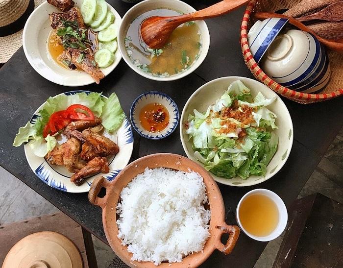 quán ăn món Bắc ở Sài Gòn - quán Hương Xưa