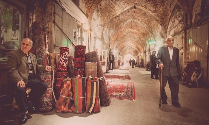 Mua sắm thảm Ba Tư - Trải nghiệm trên Con đường Tơ lụa