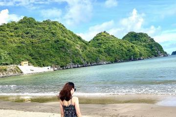 Bãi biển Tùng Thu – 'viên ngọc xanh' của đảo Cát Bà
