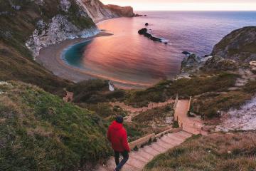 Khám phá bờ biển kỷ Jura nổi tiếng thế giới có lịch sử hàng triệu năm