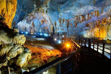 'Đột kích' vẻ đẹp huyền bí nơi Hang Lạng Phú Thọ