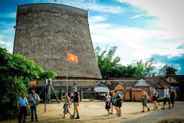 Khám phá làng du lịch văn hóa Kon Kơ Tu mới toanh bên dòng Đăk Bla, Kon Tum