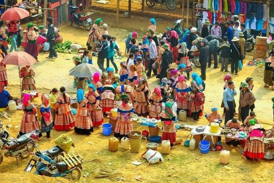 Khám phá nét đẹp văn hóa vùng cao độc đáo nơi chợ phiên Cao Bằng