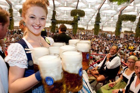 Lễ hội bia Oktoberfest ở Đức có gì mà được mong chờ tới vậy?