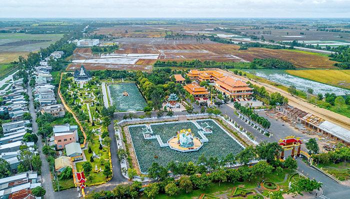 Viếng chùa Huỳnh Đạo An Giang - Toàn cảnh chùa