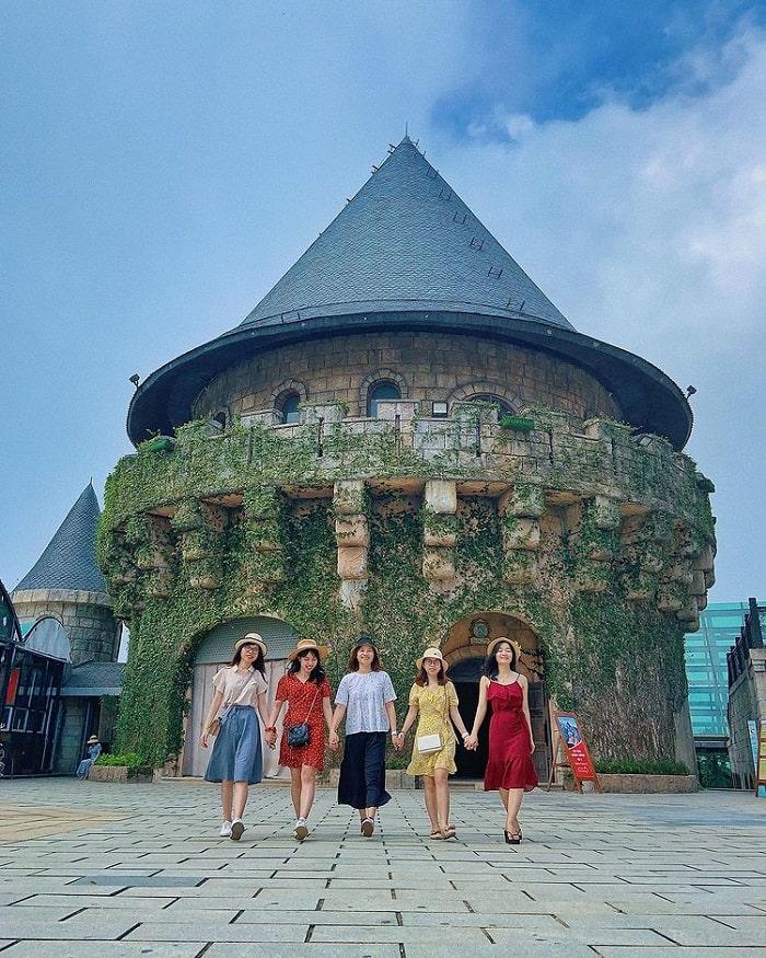 tour lễ 30/4 từ Sài Gòn giá tốt - vui chơi KDL Bà Nà