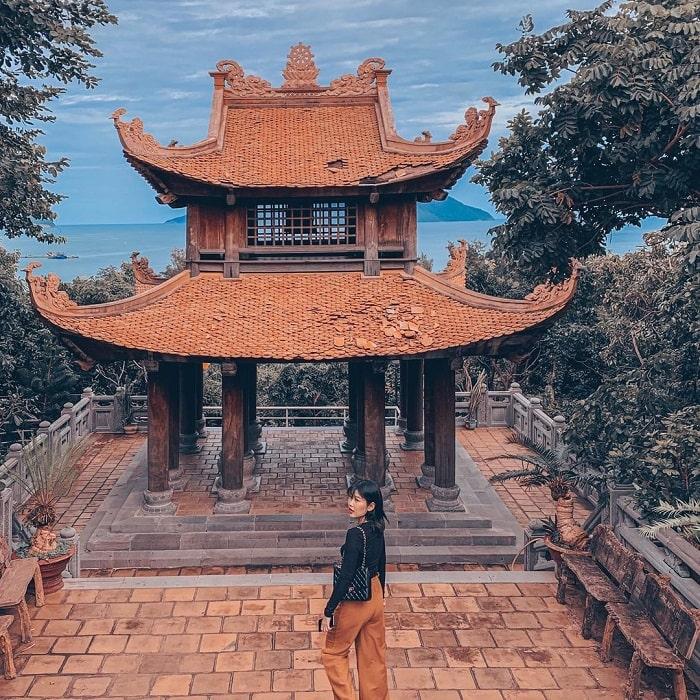 tour lễ 30/4 từ Sài Gòn giá tốt - thăm chùa Núi Một