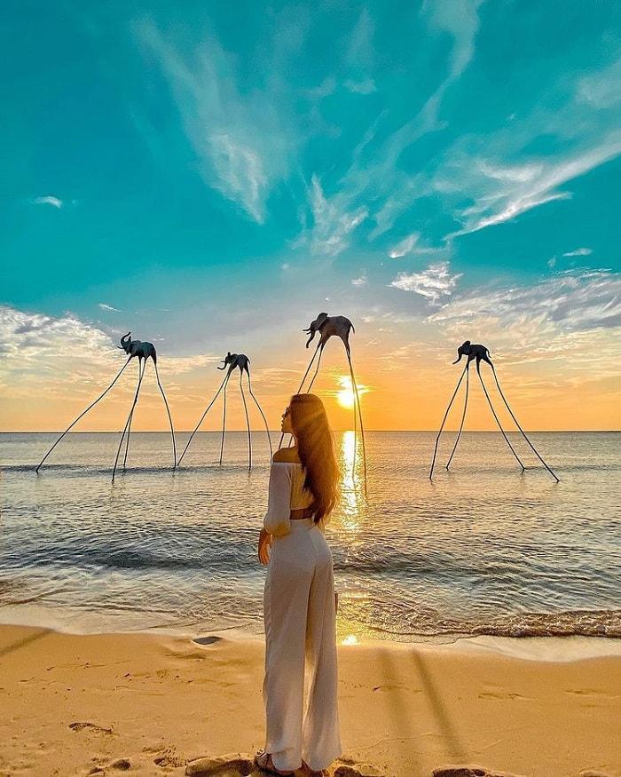 tour Phú Quốc 3N2Đ từ Sài Gòn - hoàng hôn Sunset Sanato Beach Club