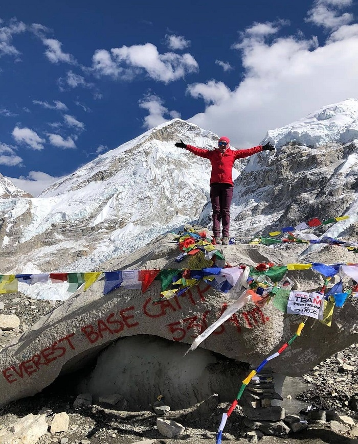 Cột mốc Everest Base Camp - Trekking lên đỉnh Everest