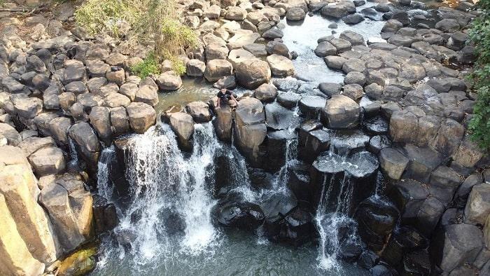 Hình ảnh từ trên cao nhìn xuống của  thác Đứng Bình Phước