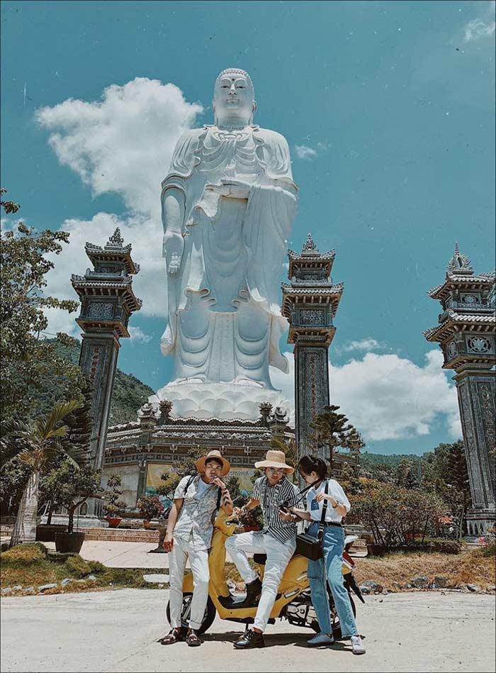 Ngôi chùa Đá Lố