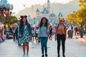 Làm Gì Khi Có 1 Ngày Ở Disneyland Hồng Kông?