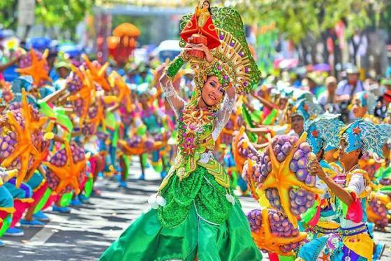 Hòa mình vào những lễ hội truyền thống đặc sắc ở Hạ Long