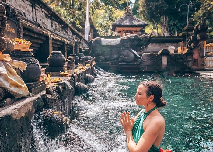 The beauty of Tirta Empul Bali temple