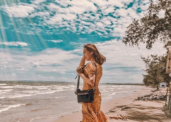 Biển Cổ Thạch - địa điểm tránh nóng lý tưởng tại Bình Thuận