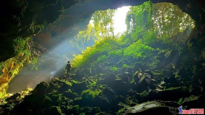 Trekking hang động núi lửa Chư Bluk dài nhất Đông Nam Á