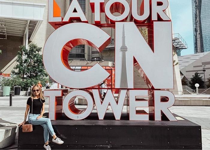 Những trải nghiệm có một không hai trên tháp CN Toronto
