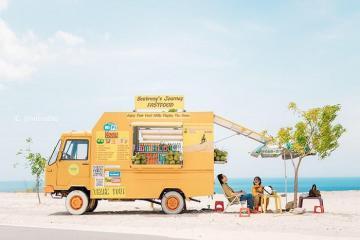 Bautrang's Journey Fastfood - 'Chiếc xe vàng trong làng sống ảo' thu hút giới trẻ ở Bình Thuận