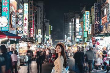 Chợ đêm Lục Hợp - khu chợ đêm 'khét tiếng' ở Cao Hùng