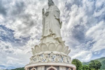 Khám phá vẻ đẹp tâm linh của 3 ngôi Chùa Linh Ứng ở Đà Nẵng