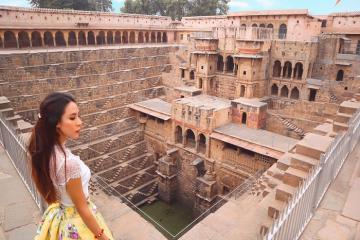 Giếng bậc thang Chand Baori - ma trận có 1-0-2 ở Ấn Độ