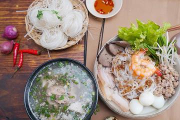 Lập team 'ăn sập' các món ăn đặc sản Phnom Penh ngon quên lối về
