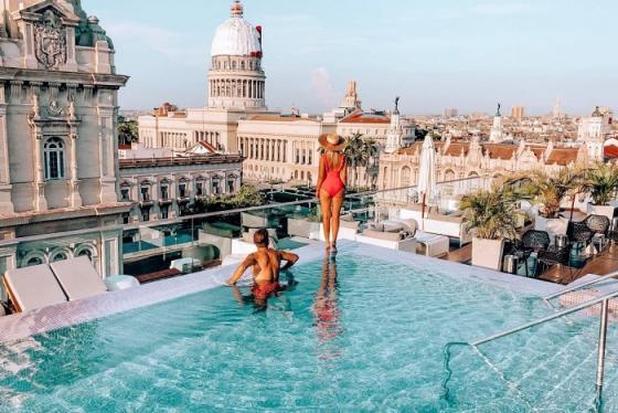 Có gì bên trong khách sạn hạng sang đầu tiên tại Cuba?