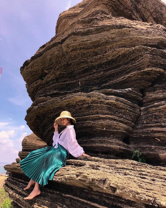 Check-in vách đá Cao Cát siêu đẹp ở đảo Phú Quý Bình Thuận