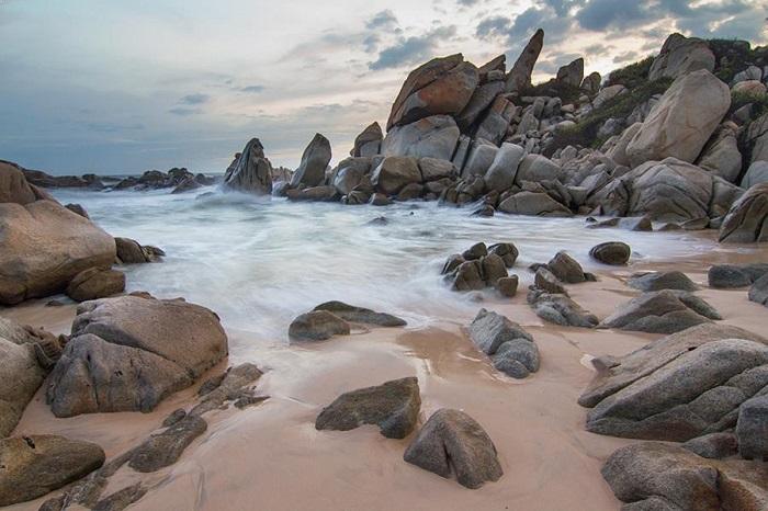 Bãi Đá Nhảy Quảng Bình – bản tình ca của đá làm say đắm triệu con tim