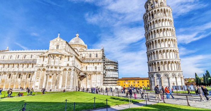Chiêm ngưỡng tháp nghiêng Pisa - tháp nghiêng nổi tiếng
