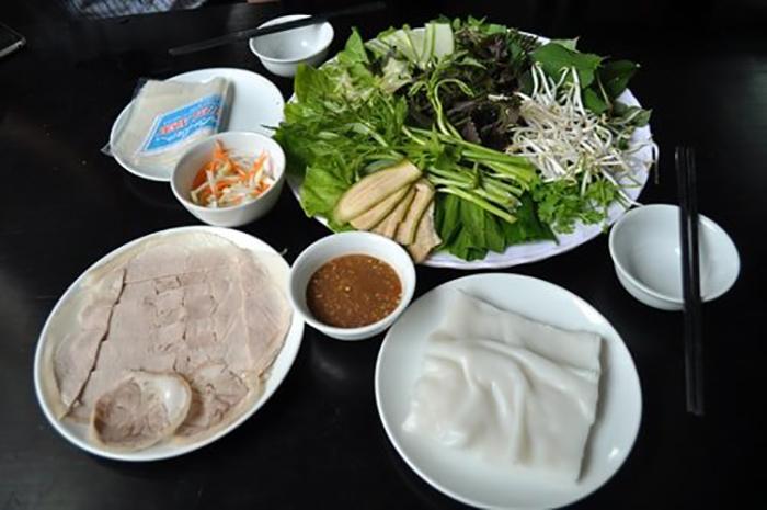 Top địa chỉ ăn bánh tráng cuốn thịt heo ở Đà Nẵng - Bánh tráng thịt heo bà Hường