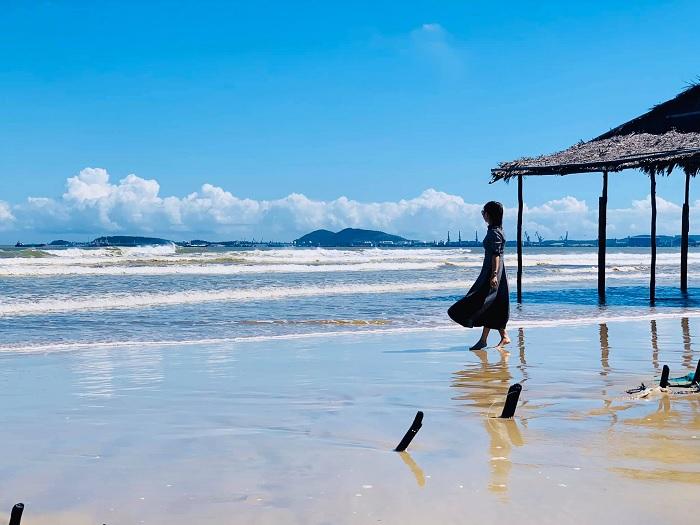 biển khe hai - điểm đến gần Vịnh Dung Quất