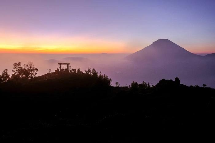Sikunir Sunrise lúc bình minh Cao nguyên Dieng