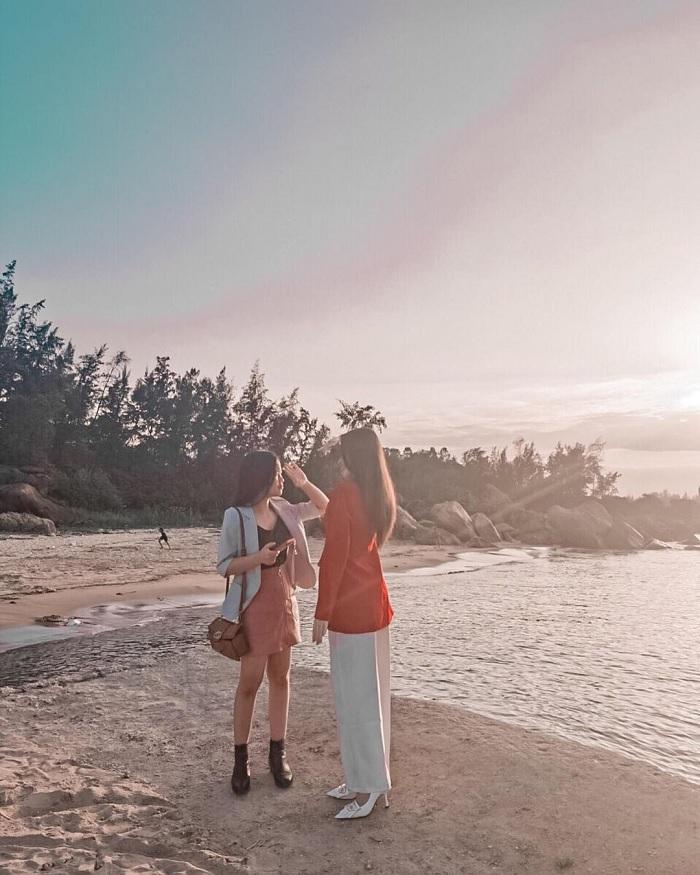 bình minh - khoảnh khắc ấn tượng trên Vịnh Dung Quất