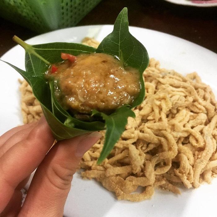 How to enjoy Ninh Binh fish salad