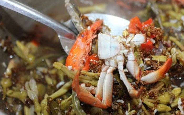canh chua kiến vàng món ăn của người Ê Đê