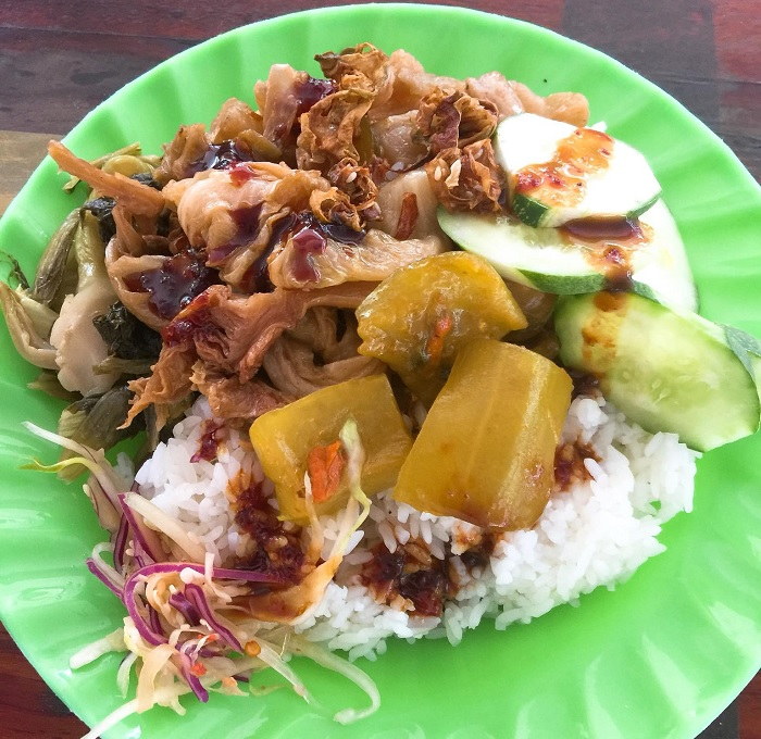Vegetarian rice - an interesting feature of Thuong Chieu Monastery