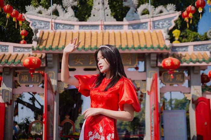cổng công phu - điểm thú vị của chùa Ông Biên Hòa