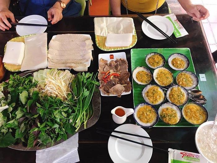 Top địa chỉ ăn bánh tráng cuốn thịt heo ở Đà Nẵng - Đặc sản Trần