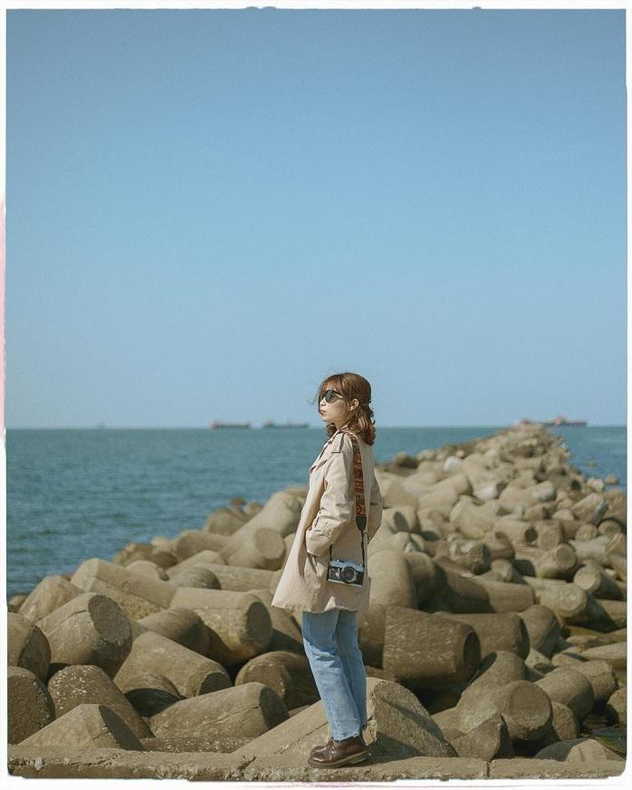 kè chắn sóng - điểm sống ảo xịn ở Vịnh Dung Quất