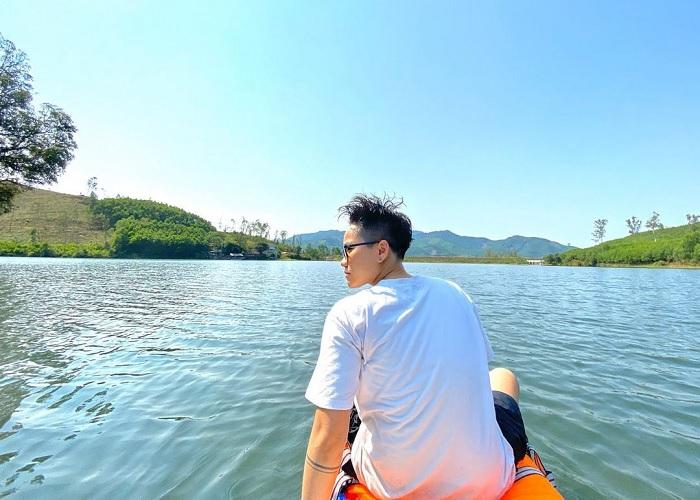 boating - exciting activities at Ton Dung Lake